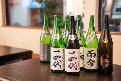 厳選した焼酎・日本酒をバラエティ豊かにラインナップ◎