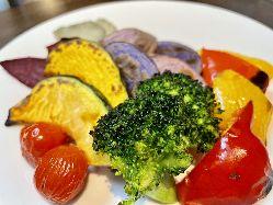 熱を加えて甘味の増したグリル野菜もGOOD!