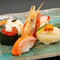 漁師から直接仕入れた全国の新鮮魚介は美味の一言!