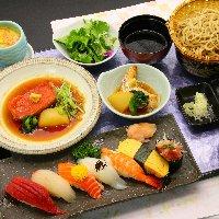ランチタイムも寿司や御膳や丼物、一品料理など多数