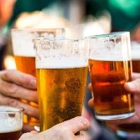 飲み放題には生ビールを含む80種ものドリンクをご用意!