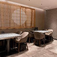 日本全国の高級食材を贅沢に使用した創作和食を提供