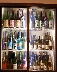 ワインも赤、白、スパークリング合わせて60種ご用意!