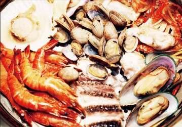 魚百 蒸し海鮮 新宿歌舞伎町店