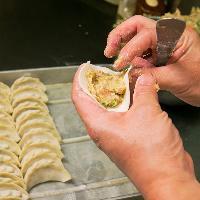 [本格派の味わい] 餃子は大人気☆点心はお店で手作り♪