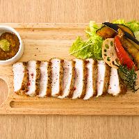 鹿児島産黒豚を使用したステーキ