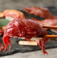池袋で新鮮な海老や会津若松の馬肉を味わえるお店です。