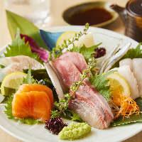 愛知県から仕入れる鯛など四季の旨味をそのまま味わえる「刺身」