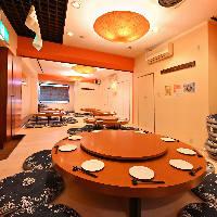 円卓座敷スペースは35名〜55名様までの大型宴会で貸切可能!