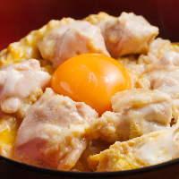 〆には高級ブランド食材『みかん卵』の親子丼!