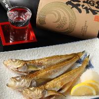 お酒に合うおつまみと共に秋田の日本酒を飲み比べ