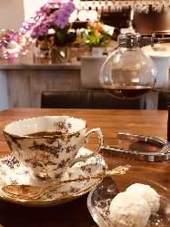 美味しいコーヒーご用意してます。