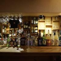 ビールやワイン、ウイスキー、カクテルなどの種類豊富にご用意