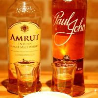 蒸留酒大国インドのウィスキーやラムも取り揃えています。
