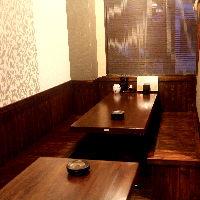 モダンな作りで大人気半個室。10名~16名までご利用できます。