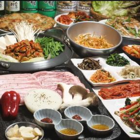 韓国家庭料理 土の村の画像