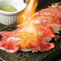 A5ランクの和牛肉寿司は必食の1品。食べ放題もあります◎