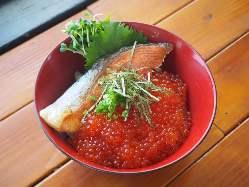 朝どれ鮮魚の日替わり海鮮丼は当店の一番人気です♪