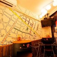 壁面には板橋の飲食店情報がずらり♪