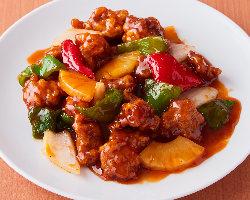 メインの料理はもちろん、長野県産コシヒカリを使ったご飯も美味