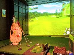 ゴルフシミュレーターは3台完備♪道具のレンタルもOK!