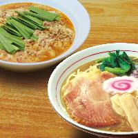 昼はラーメン専門店 鶏白湯ラーメンとタンタンメンを提供中