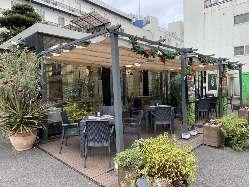 開放的なテラス席でお食事やカフェをお楽しみください♪