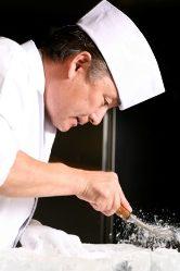 職人技で仕上げる料理の数々。
