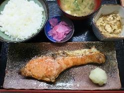 鮭塩焼定食 900円