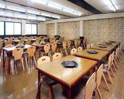 2階の大広間は最大96名収容。 会社の歓送迎会等にどうぞ♪