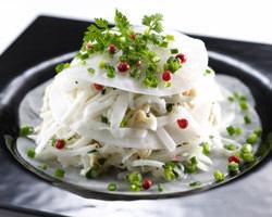大人気『大根と帆立貝の ミルフィーユサラダ』