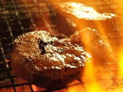 厚切りなので食べごたえ抜群!炭火でサッと炙ってあります♪