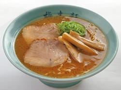 ご当地旭川を代表する醤油ラーメン730円
