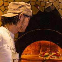 【窯焼き本格ナポリピッツァ】 世界選手権入賞の料理長直伝の技