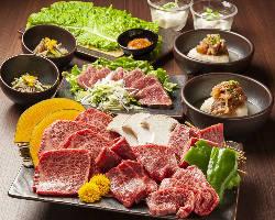 オススメ!厳選肉34種含む豪華食べ放題コース