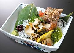 新鮮貝類!!お刺身はすべて活きているものを調理いたします。