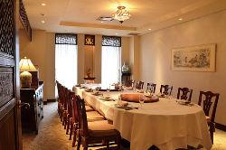 個室は6名~40名、貸切は100名まで収容可能です。
