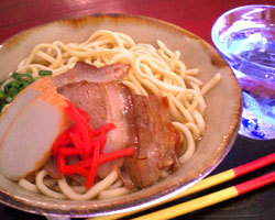 めんそーれ♪ 沖縄の名物料理がたくさん!!
