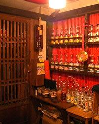 お店の玄関を開ければ、 沖縄の雰囲気が・・・。