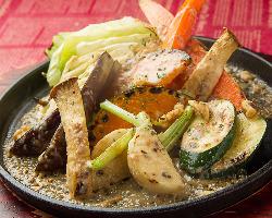 サラダ人気No.1鉄板焼きスモークバーニャカウダ。お肉のお供に。