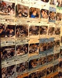 店内に貼られた記念撮影の数々! お祝いの演出は任せて下さい。