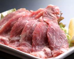 白金豚,ルスツ高原豚,道産大麦豚 熟成庫で旨味を引き出します。