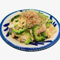 沖縄の家庭料理と創作料理をお楽しみ下さい!