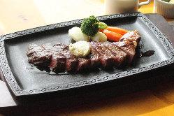お肉好きにはたまらないステーキメニューが充実!
