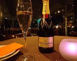 記念日、デートにおすすめのシャンパンも特別価格で