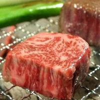 ◆焼 肉◆ とろける!黒毛和牛カルビ990円(税抜)