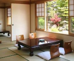 各種お集まりに対応した個室や座敷のお部屋もご用意