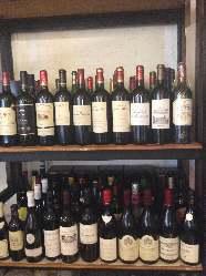 お手頃ワインも楽しめます。