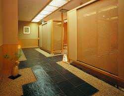 椅子席個室のエントランス 半個室4部屋 完全個室1部屋
