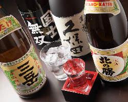 北海道の地酒などお酒を豊富に取り揃えております